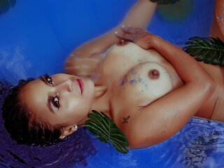 Camshow shows AlisonFoox
